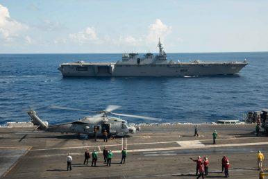 USS Ronald Reagan, JS Izumo Conduct Bilateral Exercises in South China Sea