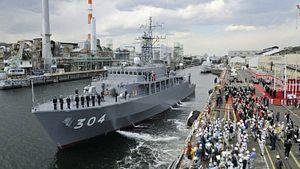Japan Debates Sending Warships to Strait of Hormuz
