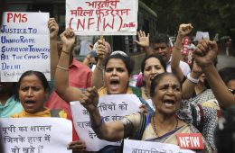 India Protesters Angry as Alleged Rape Victim Hurt in Car Crash