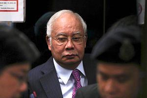 Malaysian Judge Postpones 2nd Corruption Trial for Former PM Najib