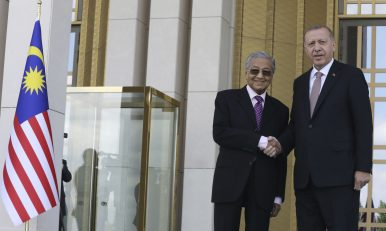 Turkey and Malaysia Boost Cooperation, Eyeing Defense Industry and Islamic Unity