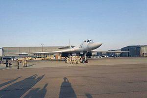 2 Russian Strategic Bombers Conduct Night Flight Over Indian Ocean