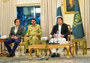Amid Coronavirus Trouble, Pakistan Remains a House Divided
