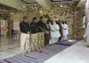 Mosques Stay Open in Pakistan Even as Virus Death Toll Rises