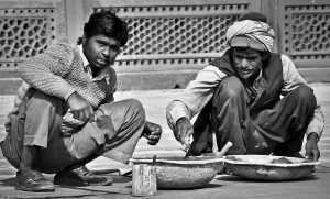 India's Rich Prosper During the Pandemic While Its Poor Stand Precariously at the Edge