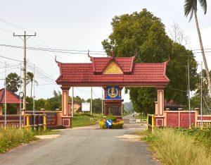 US Ambassador, Cambodian Defense Minister Meet Following China Sanctions
