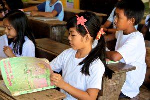 Philippines Scrambles to Open Schools Despite Calls for Postponement