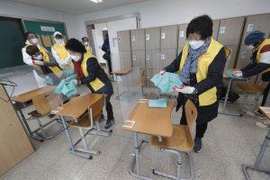 South Koreans Brace for 3rd COVID-19 Outbreak