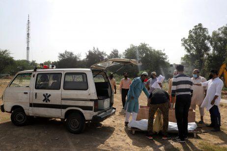 Burying India's COVID-19 Dead
