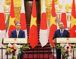 Japanese PM Suga Talks Maritime Security With Vietnam's President
