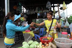 Rising Inflation Threatens to Swamp Cambodian Households