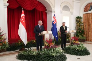 Singapore's Lee Advises Australia to Engage With China