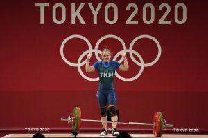 Weightlifter Guryeva Wins Turkmenistan's 1st Olympic Medal