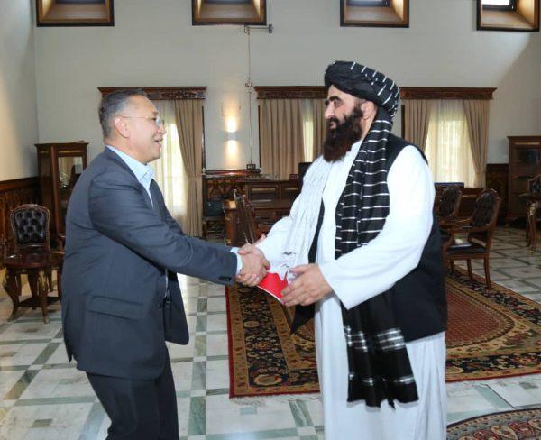 Funcionarios kirguisos se reúnen con el ministro de Relaciones Exteriores en funciones de los talibanes en Kabul – The Diplomat