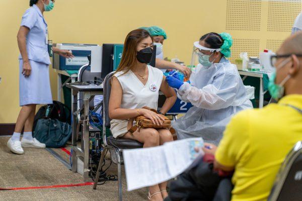 Por qué está aumentando la vacilación por las vacunas entre los jóvenes de Tailandia – The Diplomat
